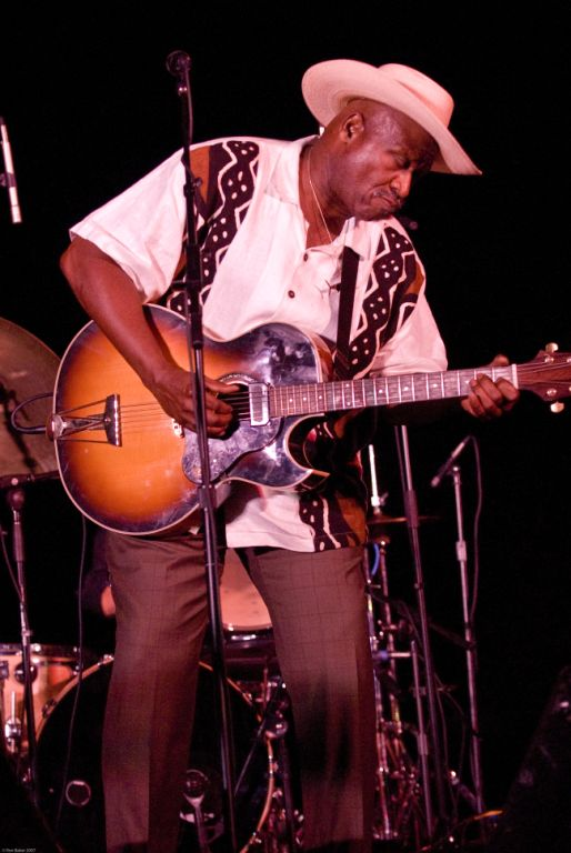 Taj Mahal at Heal The Ocean Concert © Ron Baker 2007